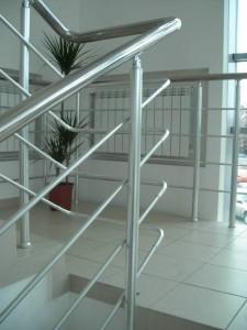 алуминиеви парапети за стълбище