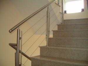 за стълбище